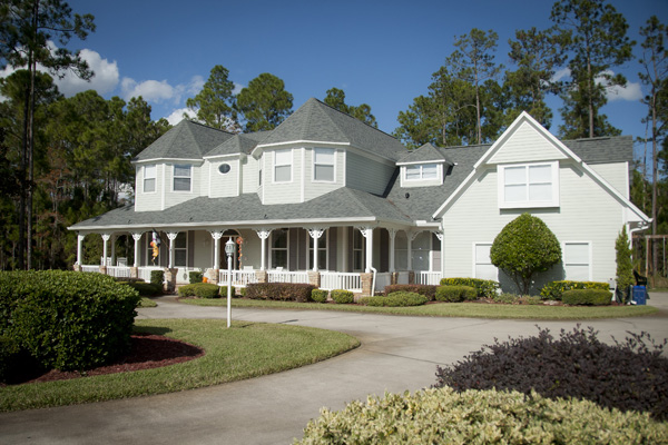 5 Reasons Why A Professional Should Paint Your Exterior 3